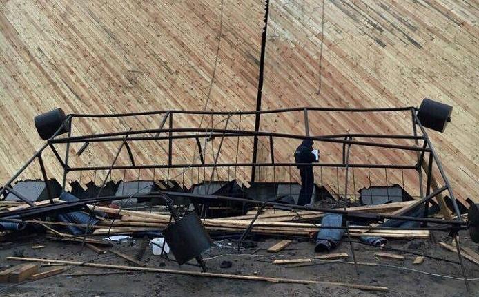 """На """"Беларуськалии"""" оборвалась строительная люлька, в которой находилось шесть человек."""