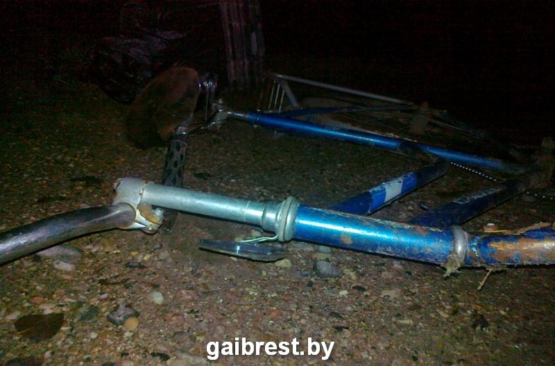 ВБарановичском районе шофёр VW насмерть сбил велосипедистку, которая пересекала дорогу
