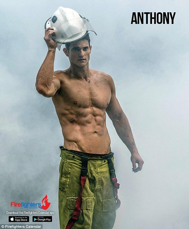 Австралийские пожарные снялись для эротического календаря