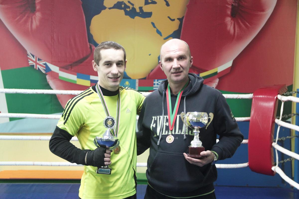 Барановичские боксеры выиграли золото, серебро и бронзу чемпионата страны