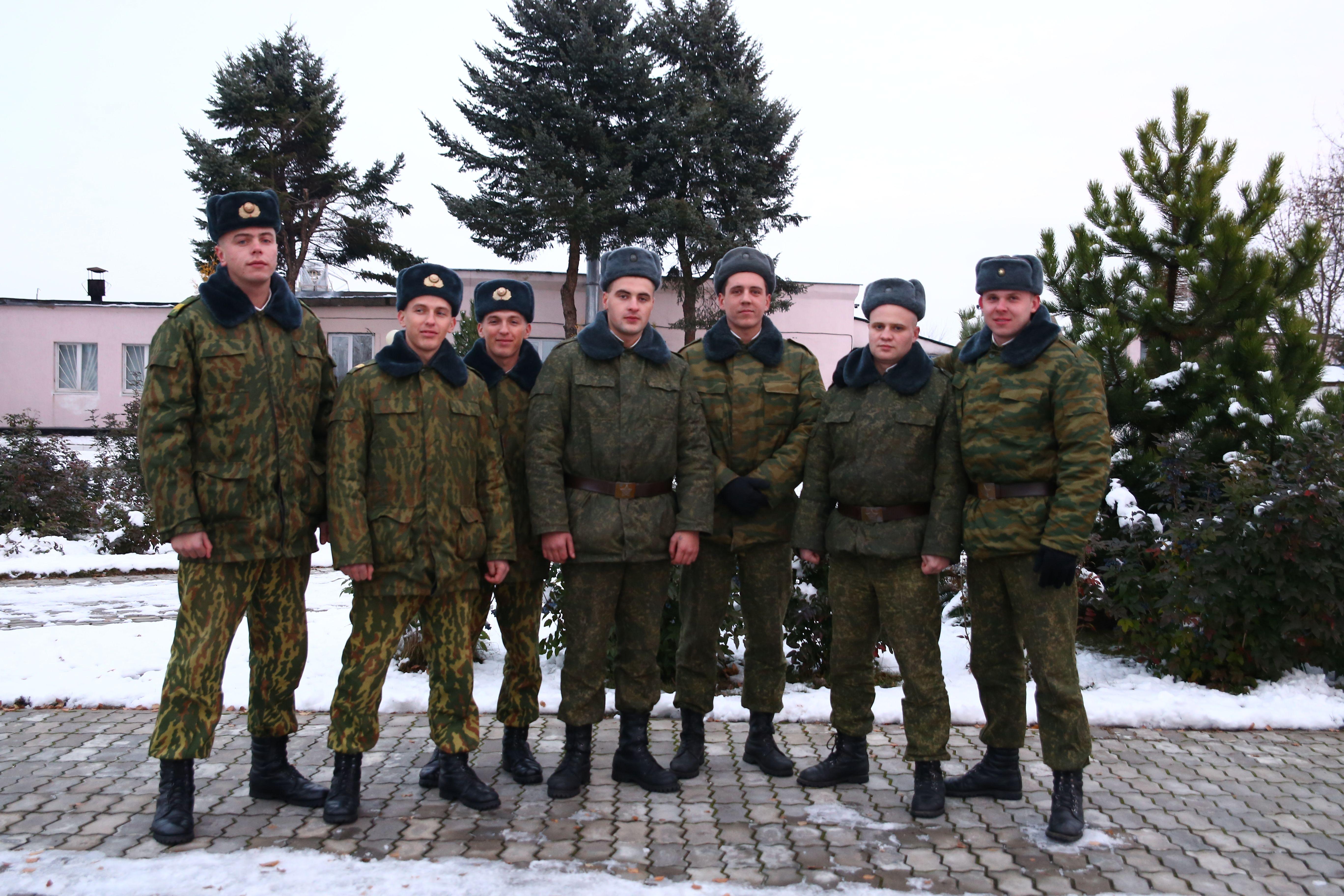 Торжественное мероприятие, посвященное военнослужащим, увольняющимся в запас, прошло 14 ноября в войсковой части 7404. Фото: Евгений Тиханович