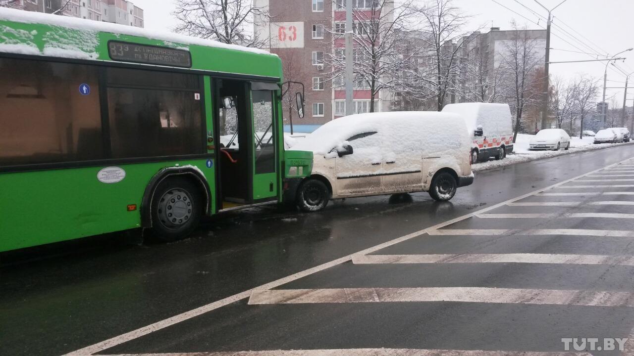 В Минске маршрутный автобус протаранил 7 машин