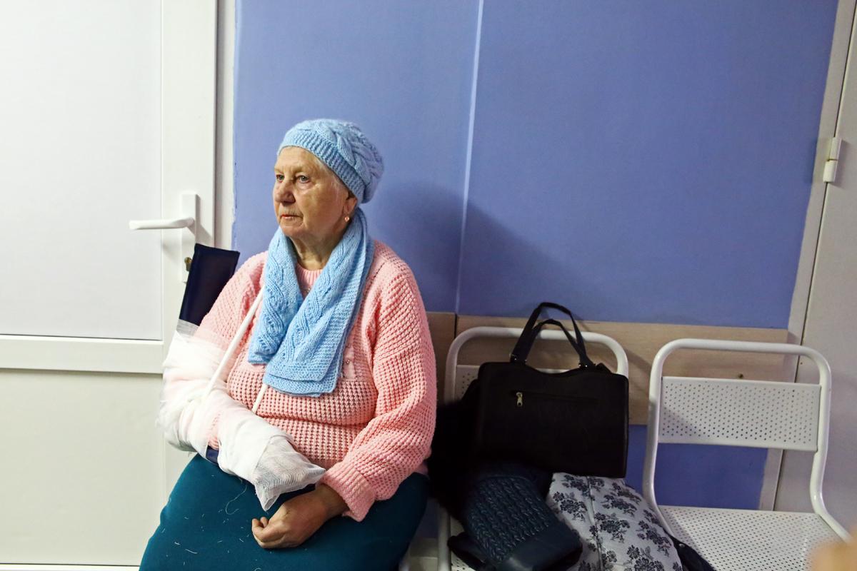 Жительница города шла в поликлинику за анализами, а попала в травмпункт. Фото: Евгений ТИХАНОВИЧ