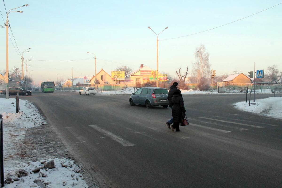 На перекрестке улиц Тельмана и Першукевича не работают светофоры. Фото: Татьяна МАЛЕЖ