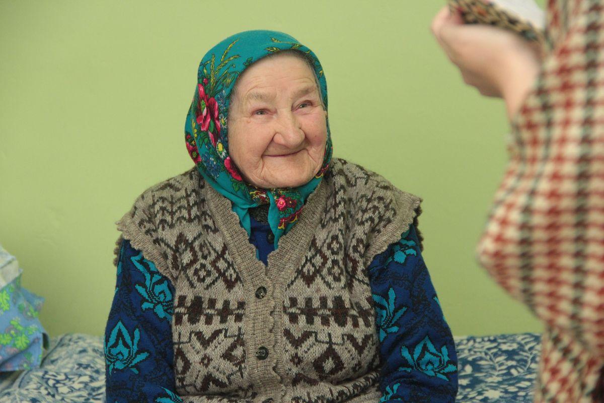 91-летняя Анна Звягинцева. Фото: Юрий Пивоварчик