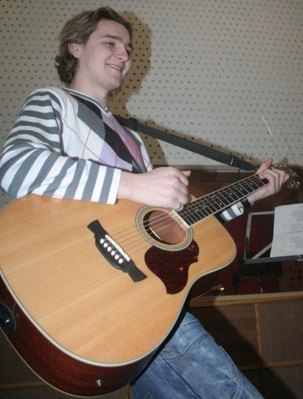 Сергей Романович, гитарист