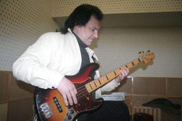Виктор Куров, гитарист, вокалист