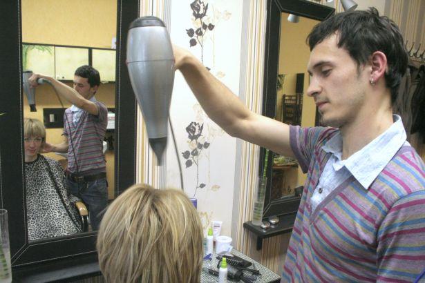Андрей Ковалевич, парикмахер-визажист салона «Праздник от Золушки»