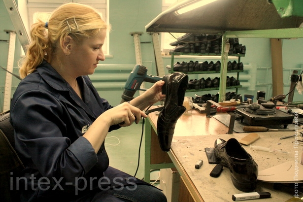 Оксана Подкидич, сборщик обуви