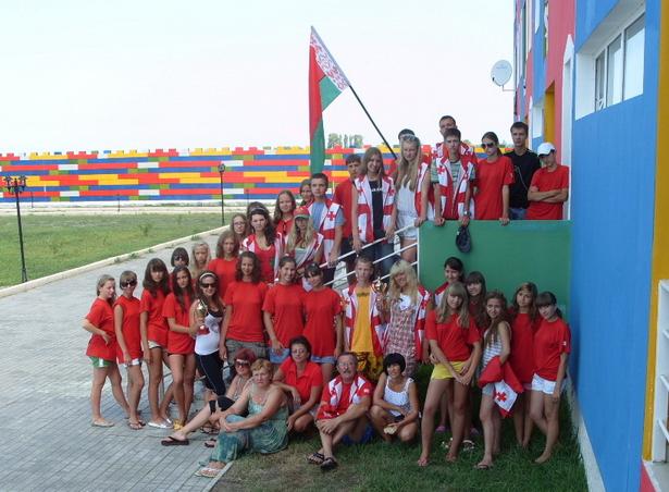 Лариса Сартакова отдыхала в этом году с детьми из студии «Параллель»