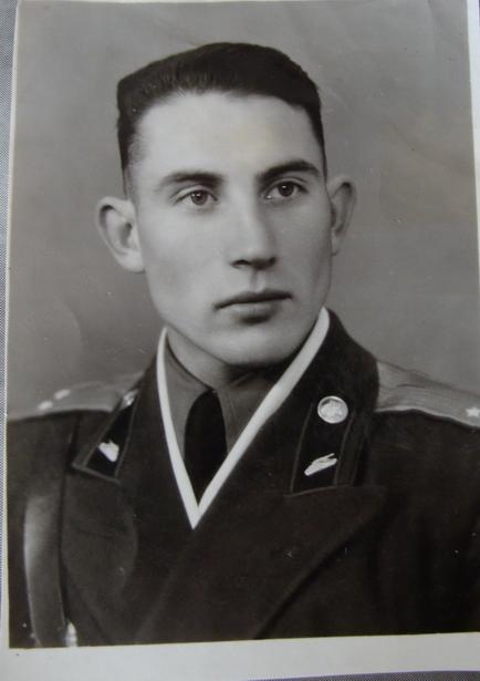Геннадий Борников в молодости