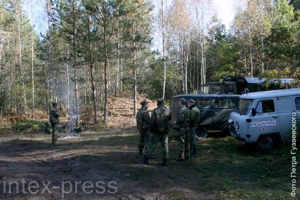 Уже на следующий день после ЧП на месте падения самолета работала специальная комиссия