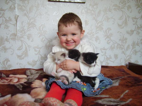 Астинь Якубович с пушистыми друзьями