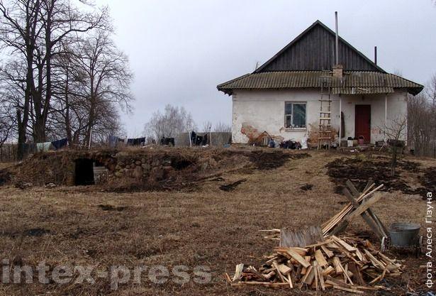 На мурах былой сядзібы Несялоўскіх сёння стаіць навейшы дом