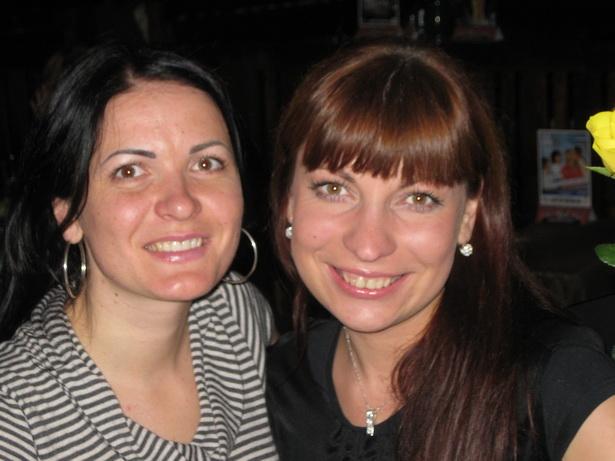 Ольга вместе с подругой Натальей Шевелевой