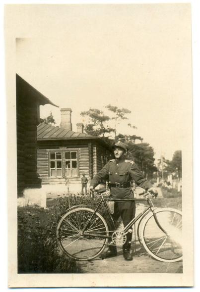 Сяржант 78 палка пяхоты на сучаснай  вуліцы Заслонава, 1930 год