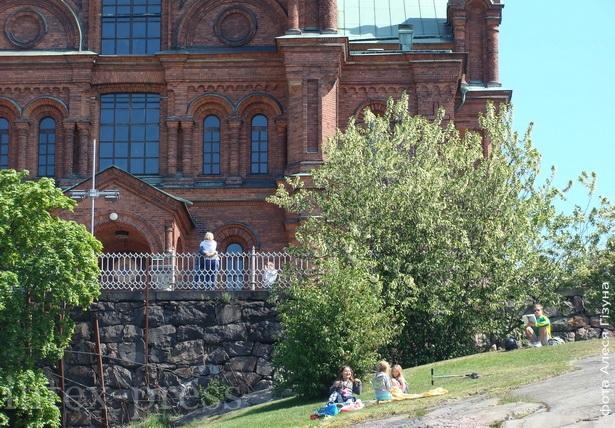 Успенскі праваслаўны сабор пабудавалі на скале ў цэнтры Хельсінкі