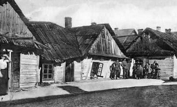 Кайзераўскія салдаты любілі фатаграфавацца каля баранавіцкіх халупаў на Бісмаркштрасе
