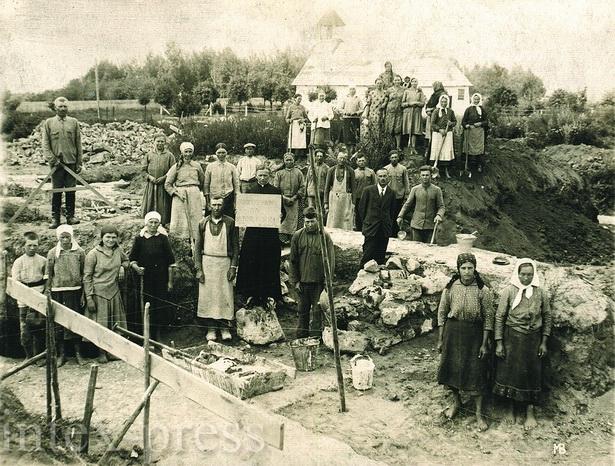 На будаўніцтве касцёла працавалі вернікі з наваколля Дарава