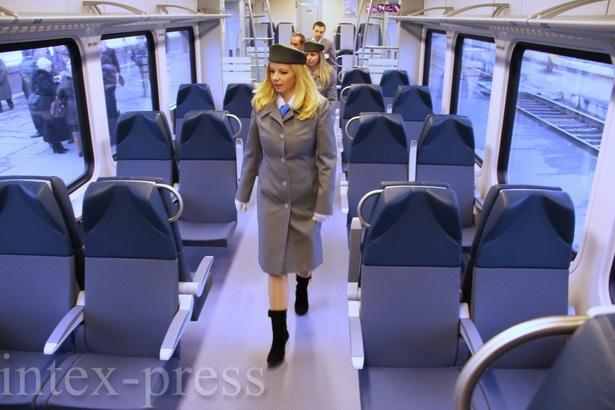 С 19 ноября у горожан появилась возможность ездить в Брест и Минск на новой электричке со «швейцарским» комфортом