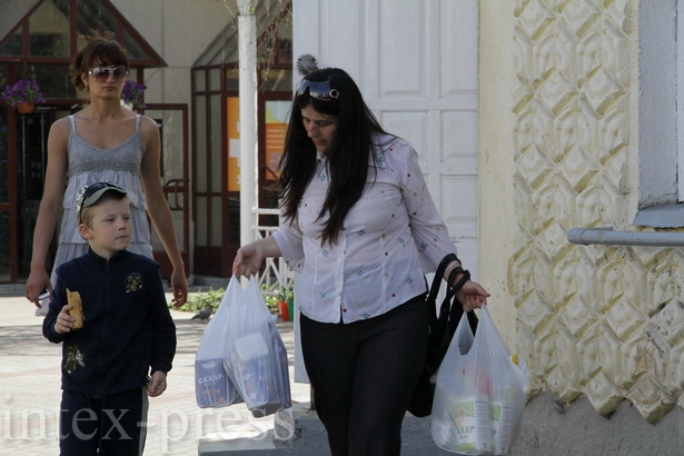 При дефиците валюты горожане вкладывали рубли даже в сахар