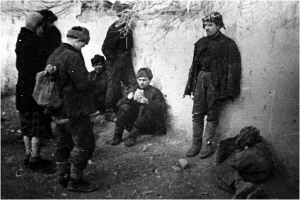 Да пунктаў запісу ў польскую армію Андэрса дабіраліся праз сотні кіламетраў