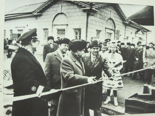 Запуск первого электропоезда на участке Барановичи-Минск в 1982 году проходил в торжественной обстановке