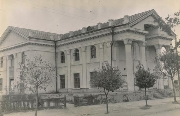 Здание кинотеатра «Октябрь», 1953 год