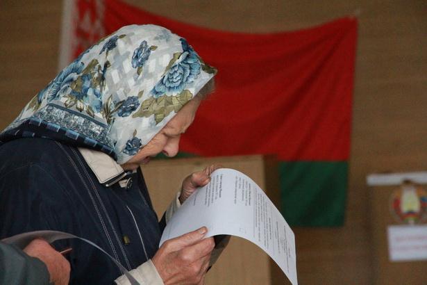 Пожилые люди составили значительную часть избирателей в основной день выборов