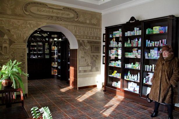Старинное здание по ул. Тельмана, 15 преобразилось и снаружи, и изнутри,  превратившись в аптеку-музей