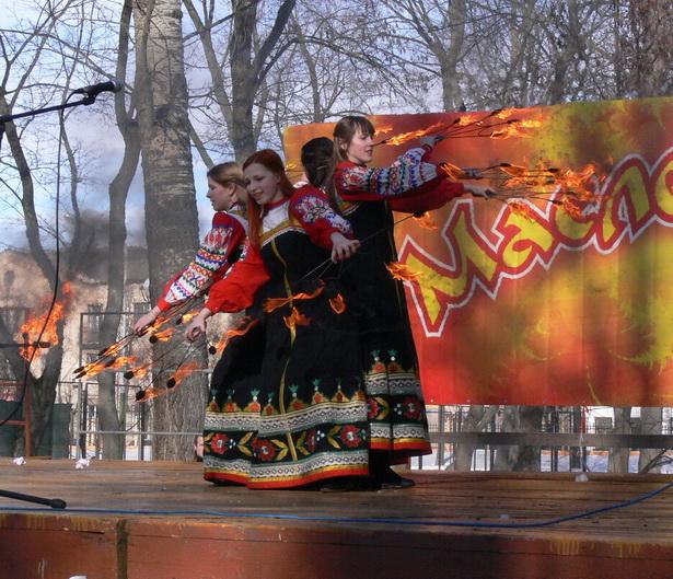 Зажигательное фаер-шоу «Waidelott» завершило праздничный концерт