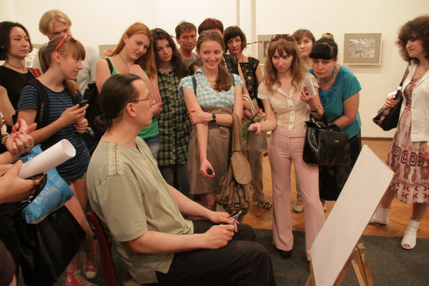Художник Денис Кондратьев провел мастер-класс для жителей нашего города