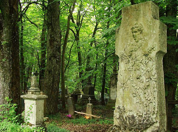 Помнік на старых каталіцкіх могілках у Варончы. Фота -- Алесь Гізун