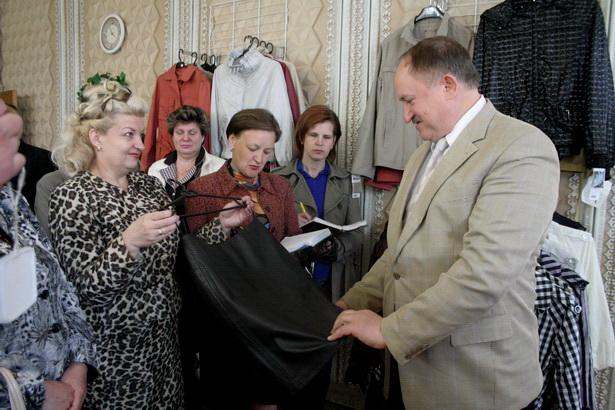 Во время выездного заседания штаба по контролю за состоянием потребительского рынка. 2008
