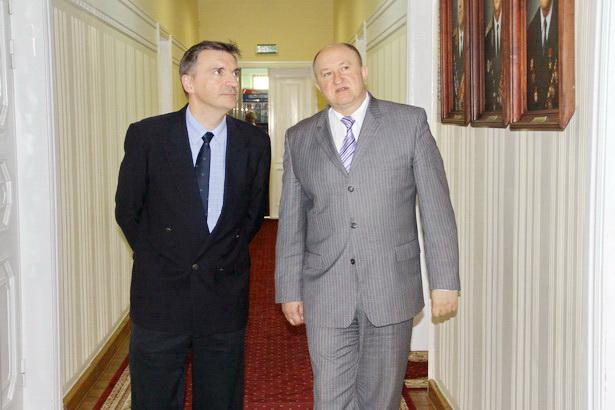 С чрезвычайным и полномочным послом Франции в Беларуси Мишелем Ренери. 2011