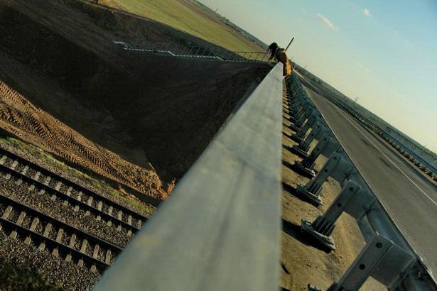 Новый путепровод над железной дорогой Москва-Брест