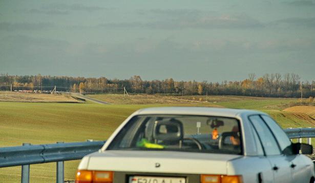 Вид с нового путепровода на дорогу Кобрин-Столбцы