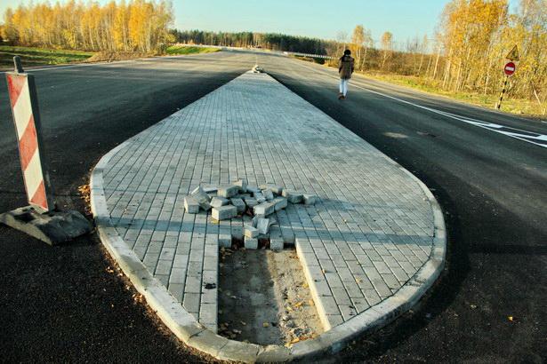 Поворот с дороги Кобрин-Столбцы на Олимпийку и новый путепровод