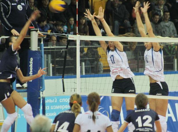Барановичские волейболистки одержали победу над румынским клубом Констанца. Фото Людмила ПРОКОПОВА