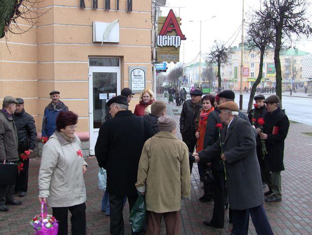 Коммунистическая партия Беларуси.7 ноября 2013 года. Фото Александр Трипутько