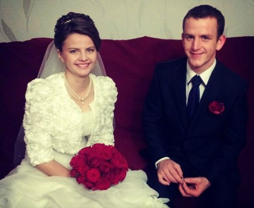 Анна Савчук и Михаил Вечер в день свадьбы 16 ноября. Фото из социальной сети ВКонтакте