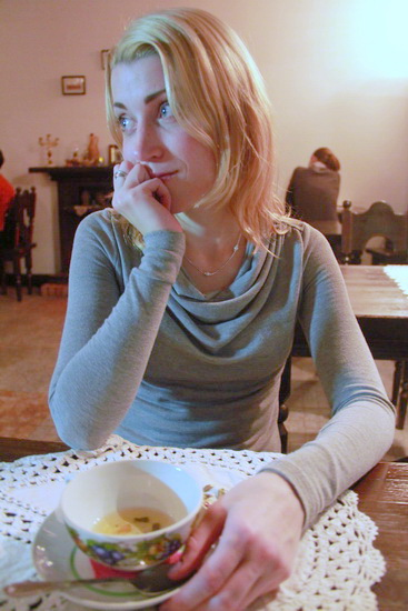 Евгения Чембровская рассказала IP, на что хватает зарплаты работника культуры в Беларуси. Фото: Intex-press