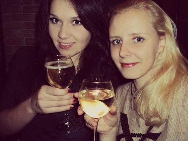 Подруги Лена Савик и Инна Рабцевич выбрали новогодний тур в старый Львов из-за того, что туда не нужна виза