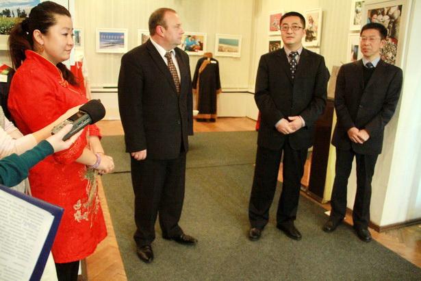 Торжественное открытие выставки с участием представителей посольства КНР в РБ