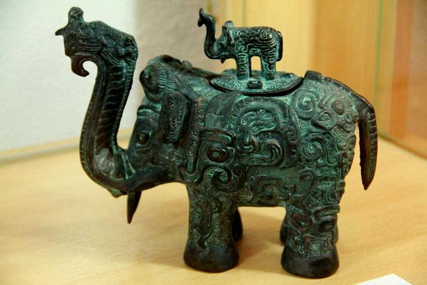 На выставке до конца января можно увидеть старинные бронзовые статуэтки из Китая