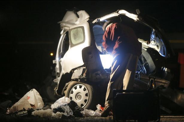 Фото с места аварии под Логойском, в которой погибли барановичские молодожены, 20 ноября 2013 г. Фото Сергей Зинин, Наша Ніва