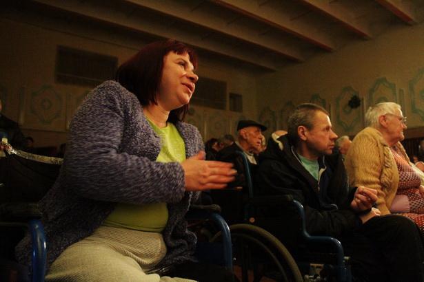 Intex-press провела для жителей Леснянского дома-интерната рождественскую благотворительную акцию