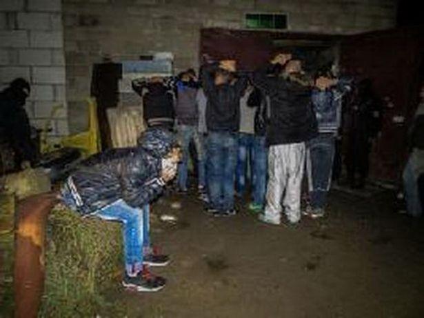 Молодежную нарковечеринку в Жемчужном прервал ОМОН. 26 октября 2013 года.