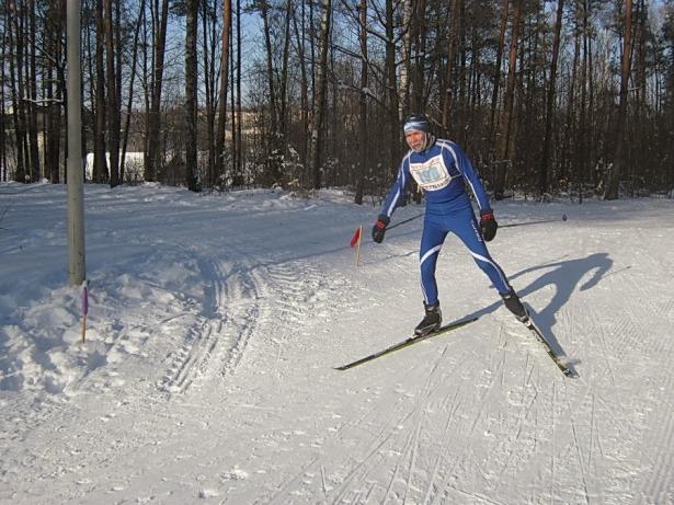 Барановичский лыжник Анатолий Логвинов занял 4-е место среди спортсменов от 50 до 59 лет. Фото Виктора Шерышева.