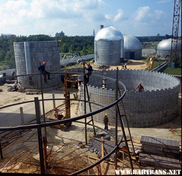Учебный полигон комбината сенажных башен, монтаж конструкций, 1978 г.